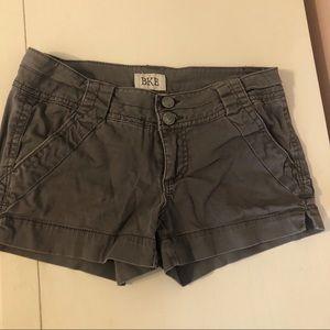 Buckle BKE Mollie Shorts in Gray